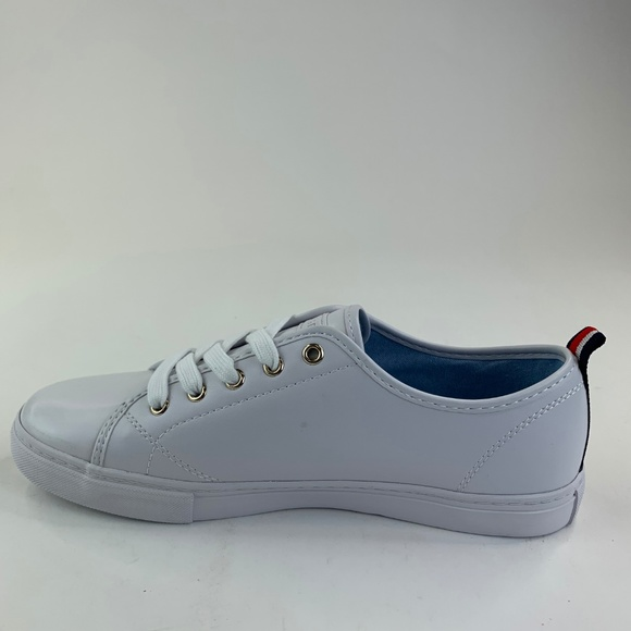 2825be79 Tommy Hilfiger Shoes | Womens Lumidee 2 Sneakers Size 85m | Poshmark